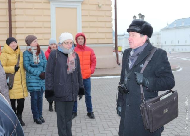 Вологда: экскурсовод А. Сазонов, на обзорной экскурсии по Вологде, экскурсии в вологду из Санкт Петербурга