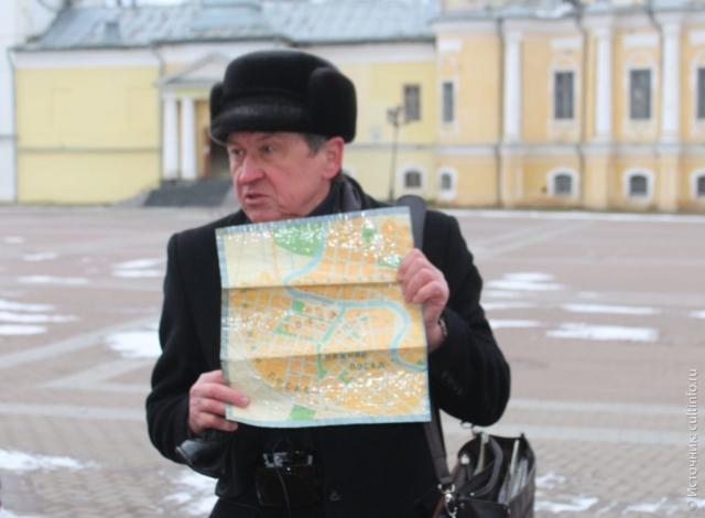 Вологда: экскурсовод А. Сазонов, на обзорной экскурсии по Вологде, маршрут экскурсии