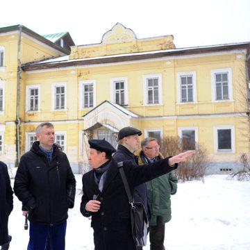 На фото: Экскурсия для мэра Вологды и его команды