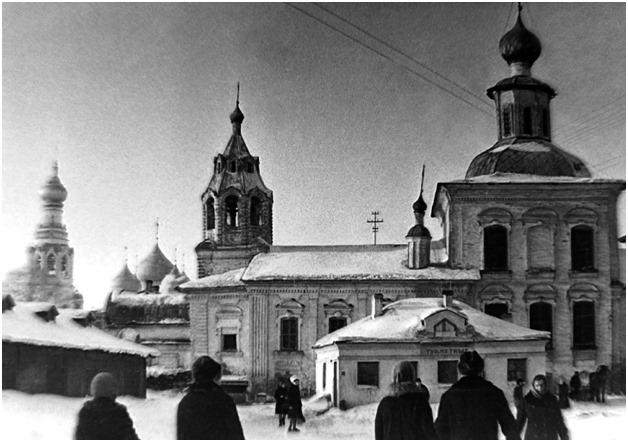 Старая Вологда: туалет на Торговой площади